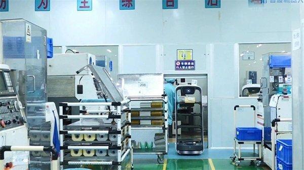 送餐机器人助力绿色低碳技术创新