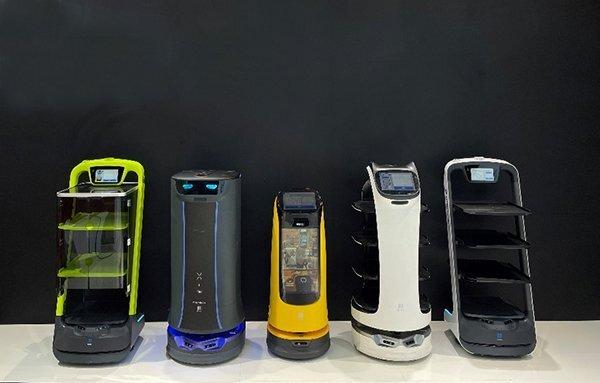 普渡送餐机器人参加北京酒店展会