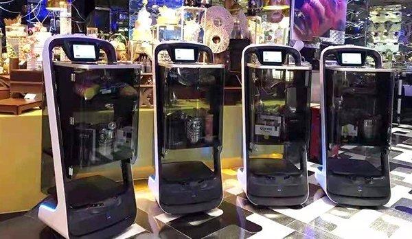 封闭式送餐机器人